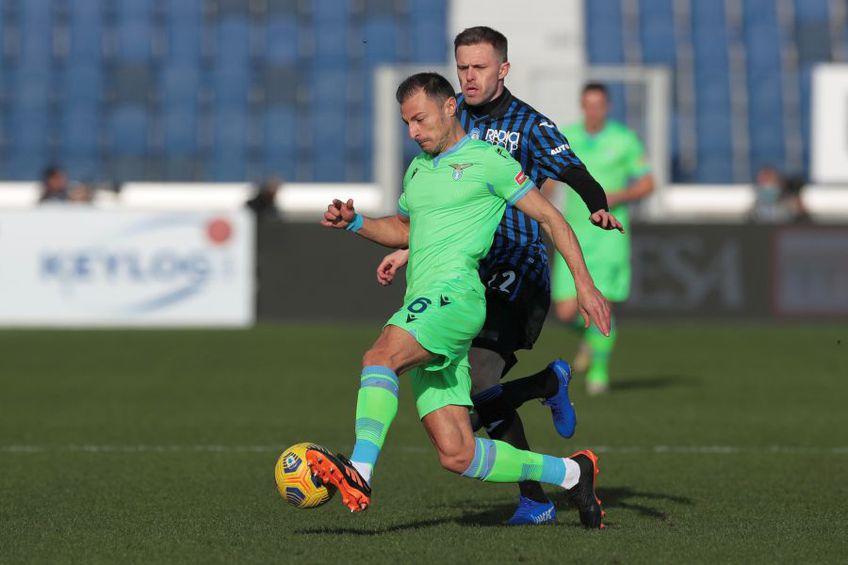 Ștefan Radu vs. Josep Ilicic în Atalanta - Lazio 1-3 // foto: Guliver/gettyimages