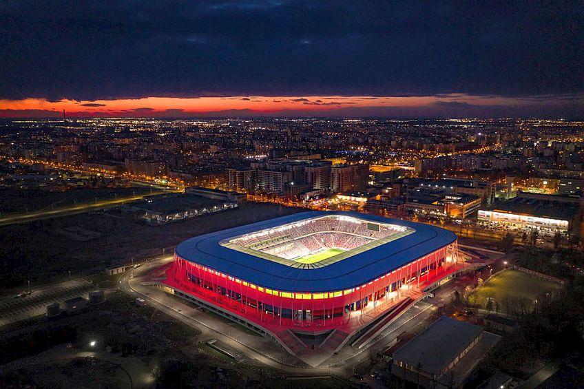 Luminile folosite la noul stadion Ghencea îl transformă într-o adevărată bijuterie // FOTO Robert Relitchi EXD (canpower.ro)
