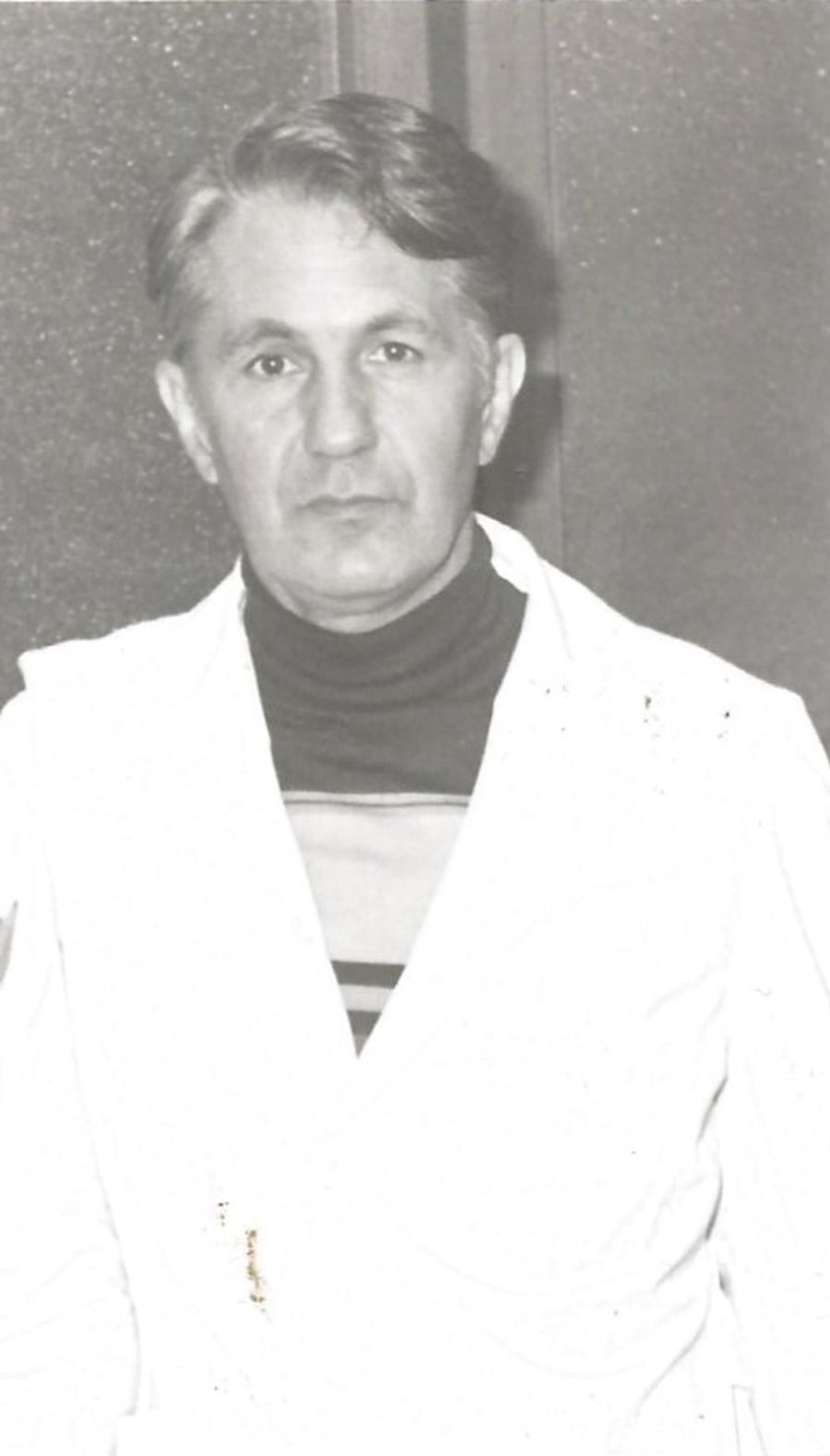 1980. Gabriel Cherebețiu în Mexic, cu halatul de medic pe umeri FOTO Arhivă personală