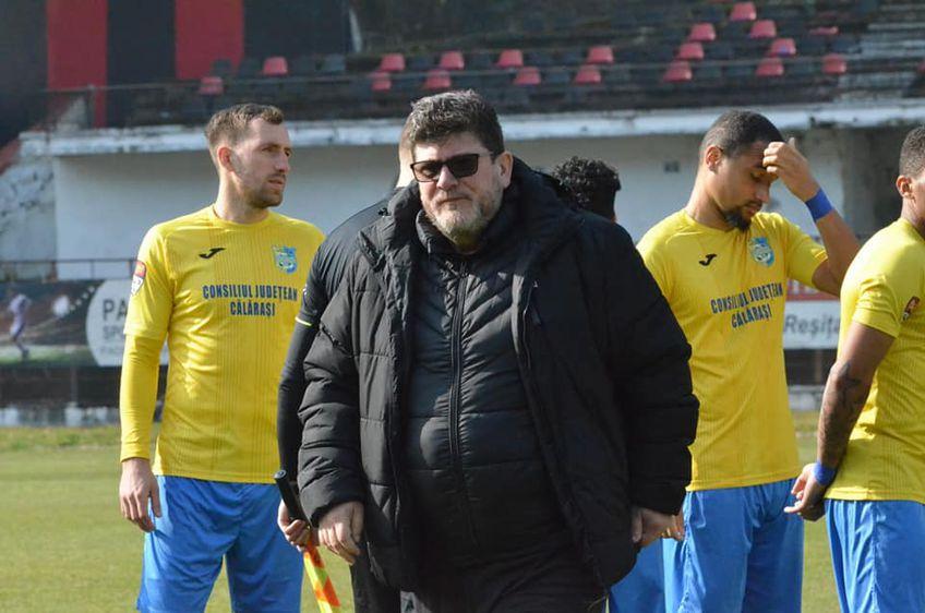 """Cristi Pustai (53 de ani), antrenorul celor de la Dunărea Călărași, așteaptă duelul cu Dinamo, din """"sferturile"""" Cupei României."""