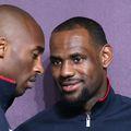 O pereche de încălțăminte purtată de LeBron James într-un meci din perioada liceului a fost vândută la o licitație cu suma de 156.000 de dolari. Pantofii sport erau un cadou primit de la Kobe Bryant.