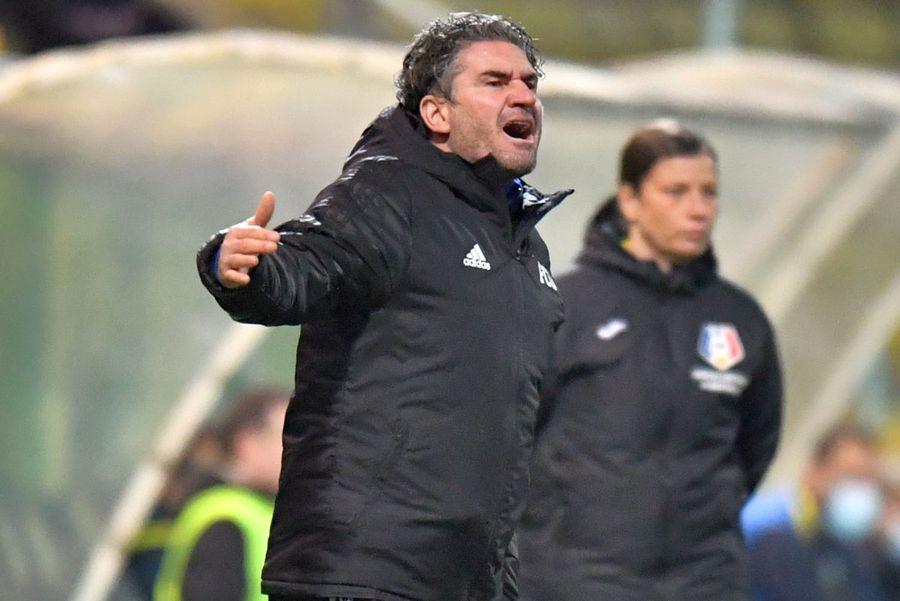 0-0 vs Concordia Chiajna, 1-2 cu Mioveni și 0-1 cu U Cluj au fost meciurile lui Stîngă pe banca oltenilor