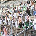 Poze cu fanii lui Moechengladbach în tribune, foto: Guliver/gettyimages