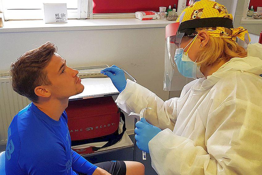 Jucătorii vor fi testați periodic pentru coronavirus în cantonament // FOTO: acebook.com/FCSBOfficial/