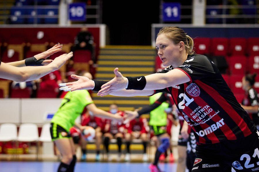 Bielorusa Dziyana Ilina felicitată după un nou gol FOTO Sabin Malișevschi