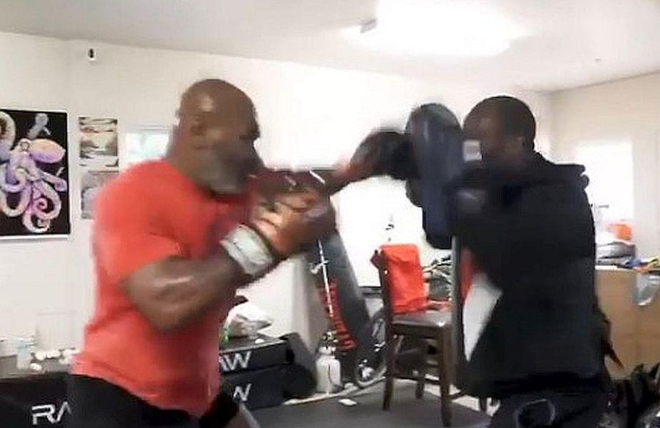 Mike Tyson (53 de ani) se pregătește intens pentru revenirea în ringul de box, după ce anunțat că vrea să participe la mai multe meciuri caritabile, pentru persoanele fără casă și pentru cei care au probleme cu drogurile.