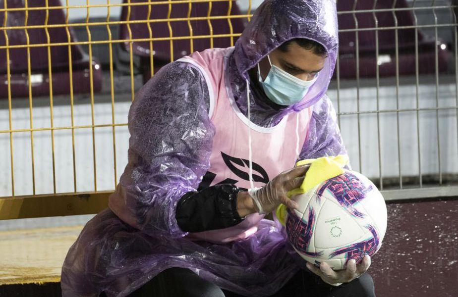 Fotbalul suferă în continuare din cauza pandemiei. foto: Guliver/Getty Images