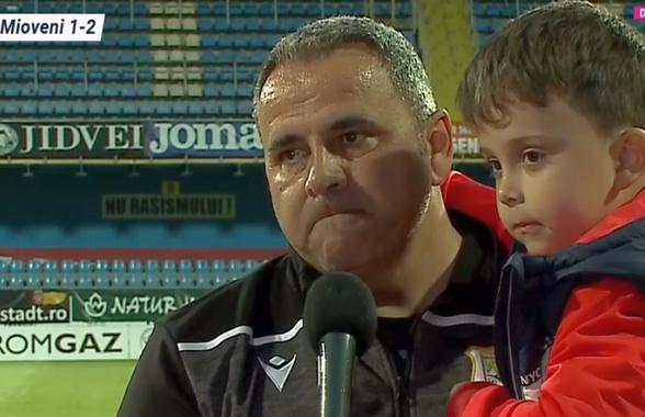 """Pelici, întrerupt de jucători în timpul interviului: """"Nimeni nu ne-a dat nicio șansă!"""""""