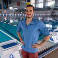 Robert Glință lângă bazinul din Complexul Olimpic de la Izvorani, acolo unde se pregătește pentru Tokyo (foto: Raed Krishan/GSP)
