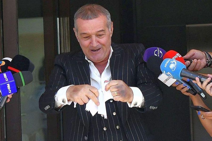 Ondrasek și-a reziliat azi contractul cu FCSB! » Câți bani i-a dat Becali ca să scape de el + ce șanse are cehul să ajungă la Craiova