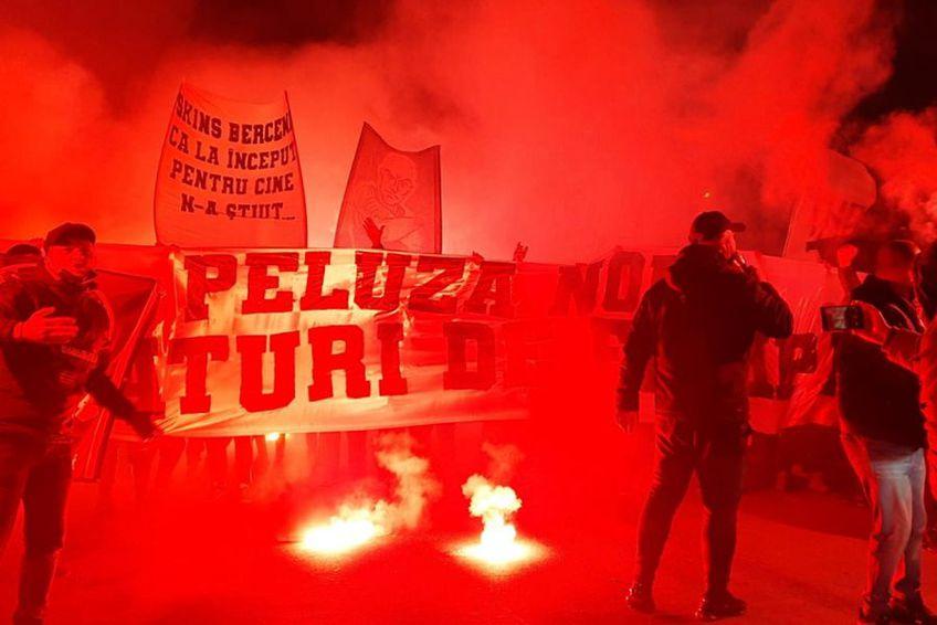 Suporterii din Peluza Nord au făcut spectacol la Berceni, înainte de FCSB - Dinamo