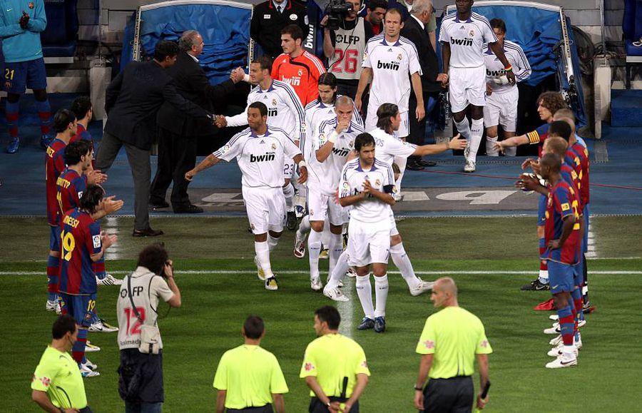 """Barça și un """"pasillo"""" memorabil pentru Madrid, campioană în 2008"""
