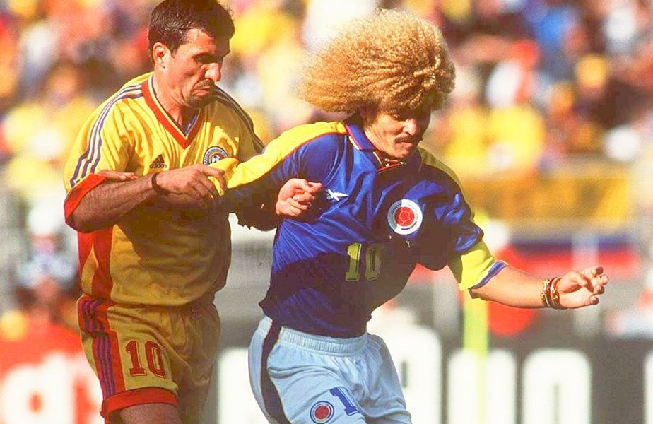 Carlos Valderrama, într-un duel cu Hagi Mondialul din 1998. foto: Guliver/Getty Images