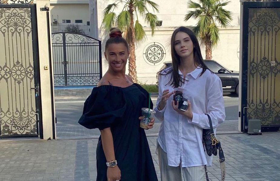 Anamaria Prodan alături de fiica sa, Rebecca // sursă foto: Instagram @ anamariaprodanreghecampf