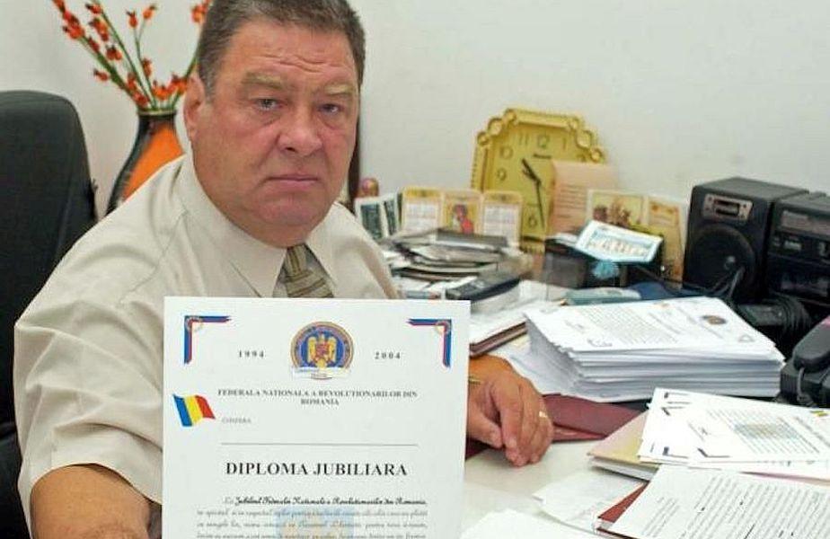 Constantin Bebe Ivanovici. În certificatul său de revoluționar se scrie că