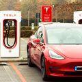 Tesla, gigantul auto condus de Elon Musk, a raportat vânzări de d 499,550 de unități în 2020, cu doar 450 de mașini sub ținta de 500.000! foto: Imago