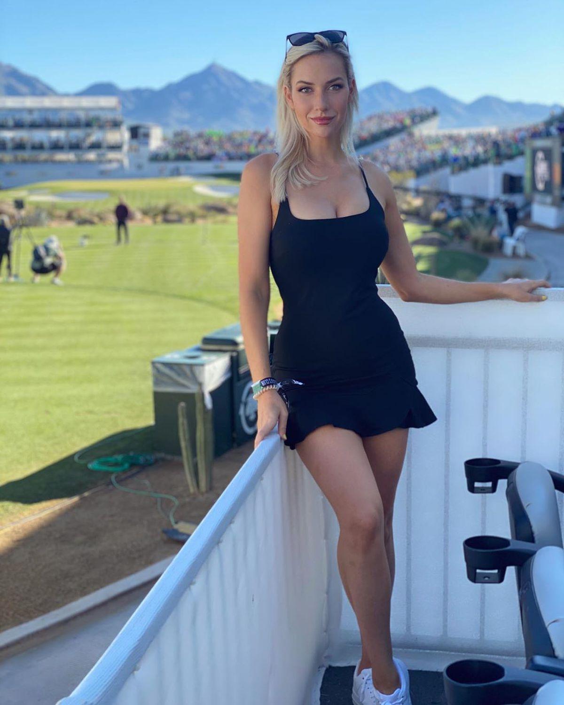 """VIDEO. """"Kournikova golfului"""" le-a făcut o surpriză fanilor într-o ținută provocatoare: """" Nu există mod greșit de a controla crosa"""""""