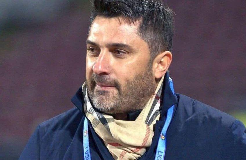 Alex Niculescu, 22 de ani, băiatul cel mare al lui Claudiu Niculescu (44), antrenorul celor de la Concordia Chiajna, susține că pe cei doi nu-i leagă aproape nimic.