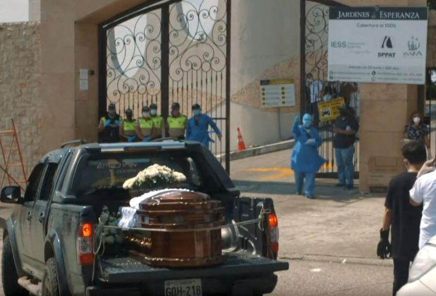 Sistemul medical din Ecuador nu mai face față numărului mare de bolnavi // sursă foto: captură YouTube @BBC News Mundo