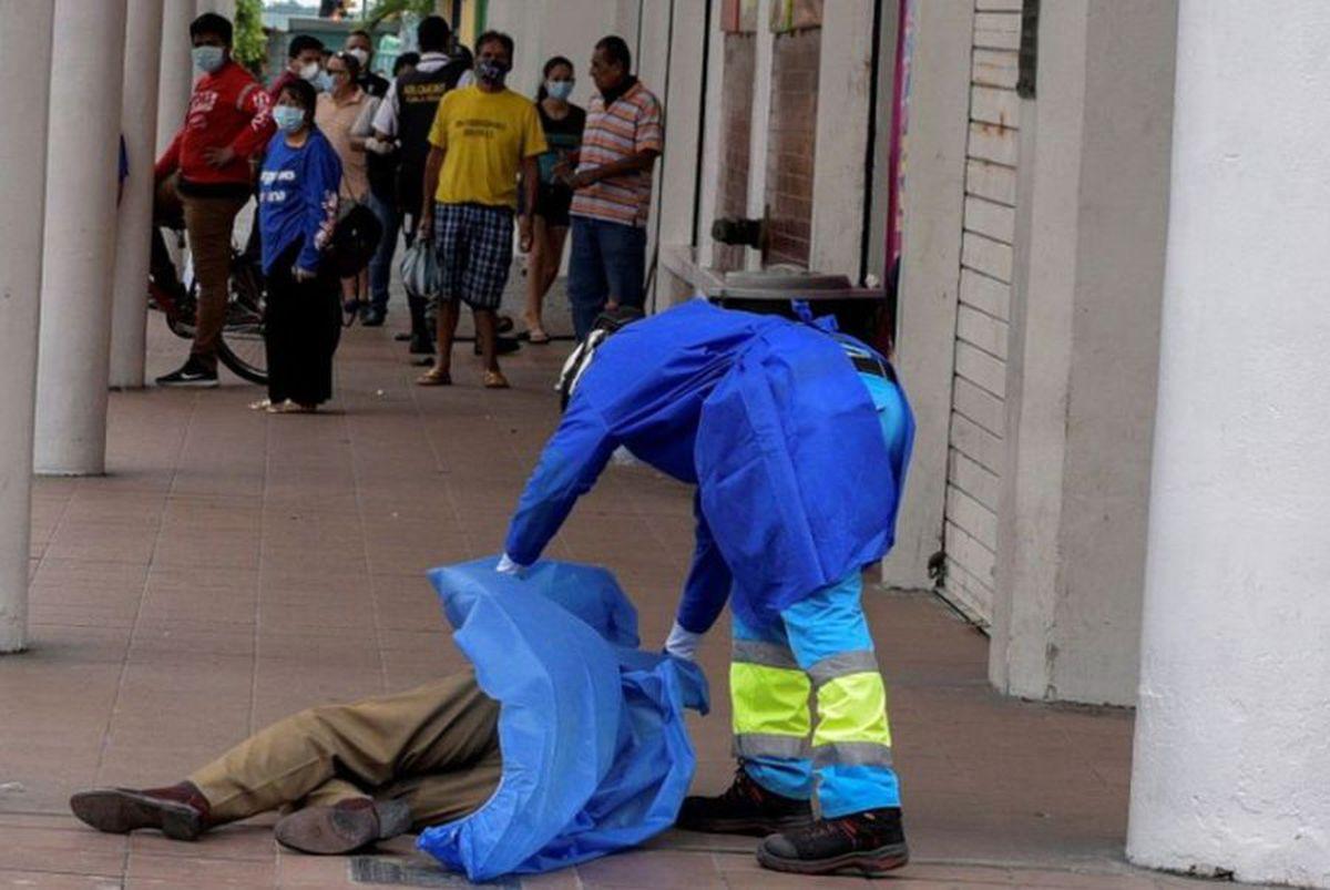 """Ecuador, copleșită de COVID-19 » Victimele sunt lăsate pe străzi: """"Imaginile sunt reale, lasă oameni morți pe străzi"""""""