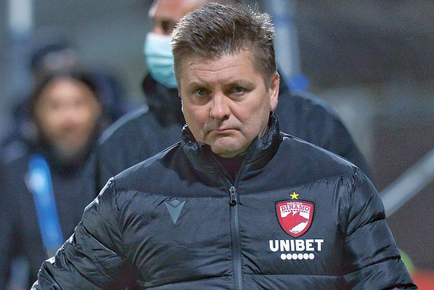 Uhrin e lăudat de fanii lui Dinamo //  FOTO: Cristi Preda