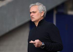 """Jose Mourinho, luat peste picior de o compania aeriană: """"Un bagaj de mână e suficient"""" :)"""