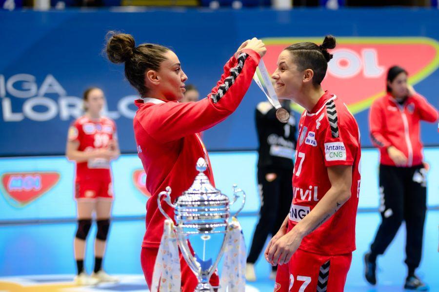 """Marta Lopez și Alicia Fraga Fernandez: """"Inima noastră a rămas în sala Traian!"""""""