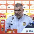 După 2-1 acasă cu Dalian Pro, în etapa a treia, Jiangsu Suning, echipa lui Olăroiu, e pe locul 2, depășită doar de campioana Guangzhou Evergrande.