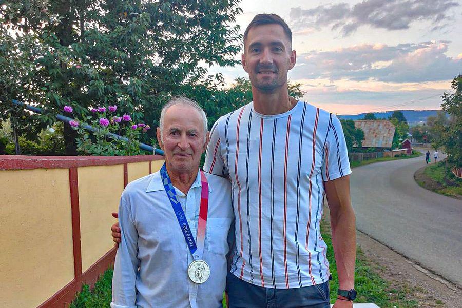 Medalie pentru Moșu' » Gestul extraordinar făcut de vicecampionul olimpic Marius Cozmiuc