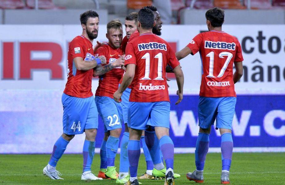 Gabi Enache (stânga), fostul jucător al celor de la FCSB, a vorbit despre momentele dificile prin care a trecut la gruparea roș-albastră.