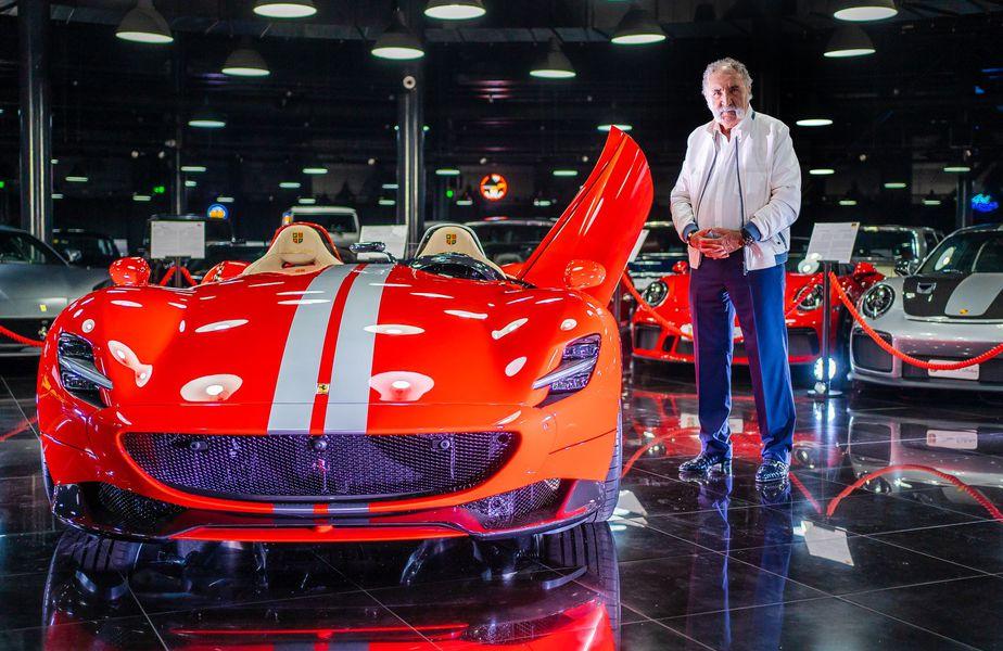 """Ion Țiriac (81 de ani) și-a adăugat o nouă """"bijuterie"""" în colecția de mașini. E vorba de Ferrari F176 Monza SP2."""