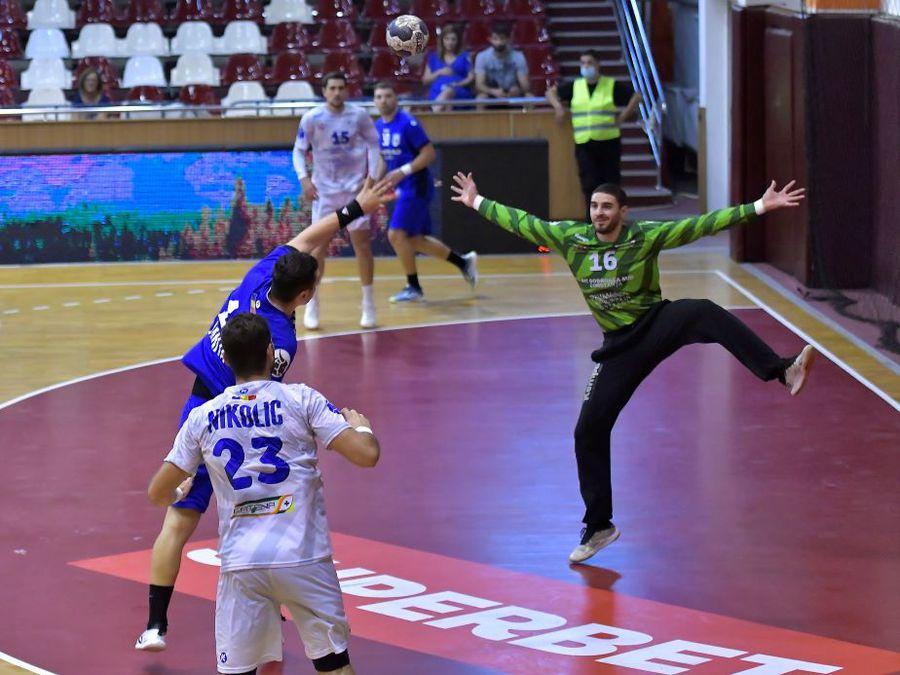 """Dani s-a făcut mare! """"Vreau neapărat un trofeu cu Constanța!"""", spune goalkeeperul de la HC Dobrogea Sud"""