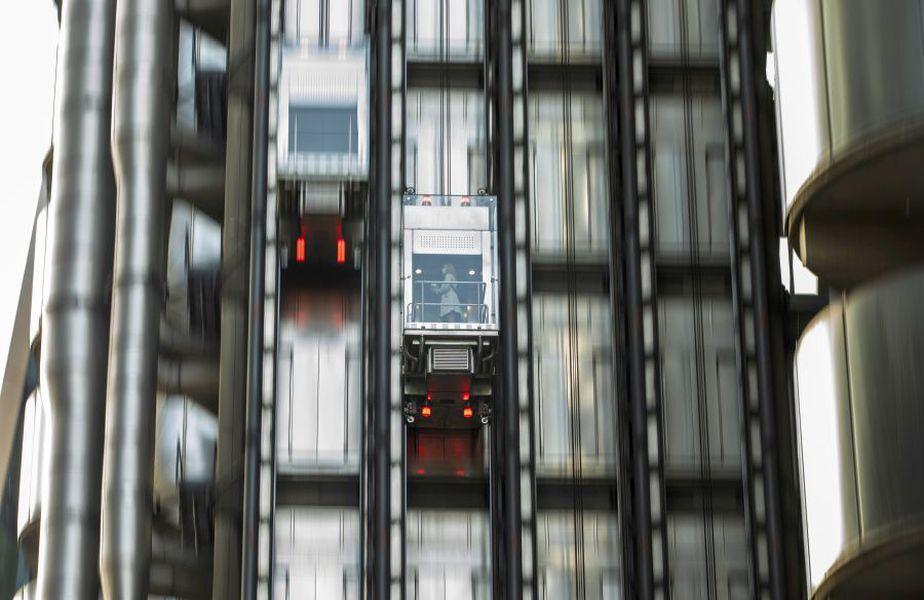Zece jucători de la PSG s-au blocat în lift, între două etaje, timp de aproape un ceas. foto: Guliver/Getty Images