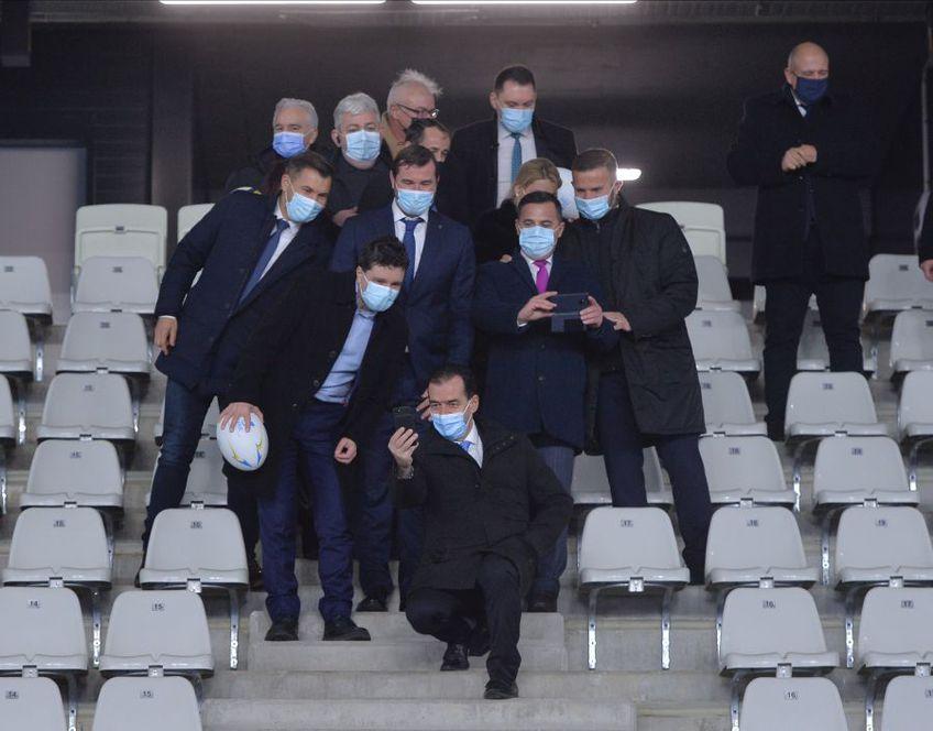 """Ludovic Orban, premierul României, a fost prezent la recepția stadionului """"Arcul de Triumf""""."""