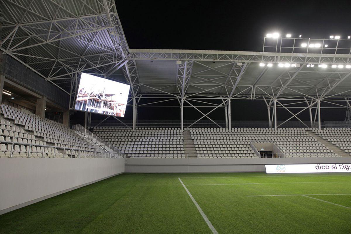 """Ludovic Orban, selfie la recepția stadionului """"Arcul de Triumf"""": """"Ultimul răcnet!"""" » Ce turneu final va găzdui"""