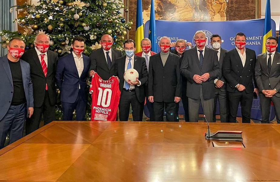 Orac, Augustin, Borcea Jr., Prunea, Orban, Ion Marin, Dragnea, Mihali, Moraru, Niculescu, Niculae și Dănciulescu, de la stânga la dreapta
