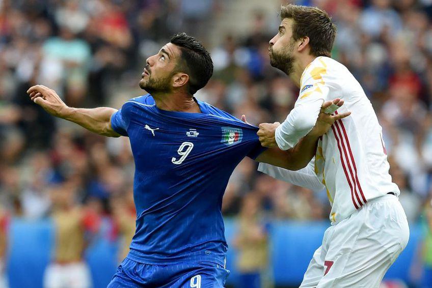 Graziano Pelle, într-un duel cu Gerard Pique în Italia - Spania // foto: Guliver/gettyimages