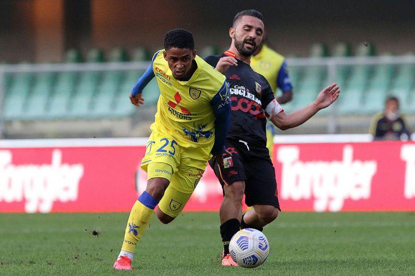 Jonathan Morsay (în galben), Chievo // foto: Imago