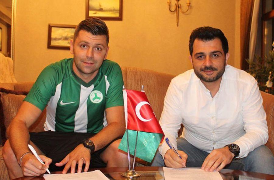 Rusescu, la semnarea contractului cu Giresunspor, când acțiunile sale nu erau considerate