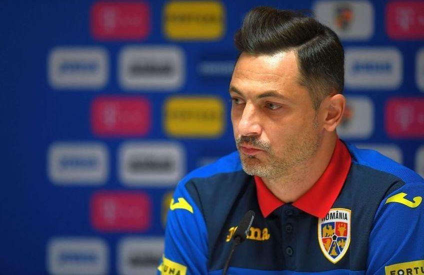 """Ioan Andone (61 de ani), președintele celor de la FC Voluntari, crede că atitudinea fotbaliștilor """"tricolori"""" nu este una corespunzătoare și îl apără pe selecționerul Mirel Rădoi (40 de ani)."""