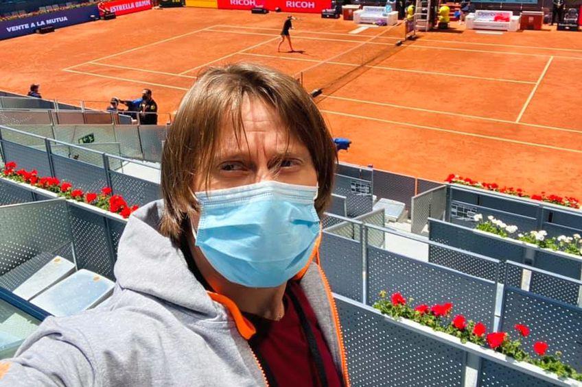 Actorul Marius Manole, prezent la meciul Simona Halep - Elise Mertens. Sursă foto: facebook.com/marius.manole