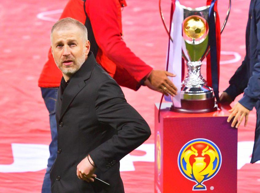 Edi Iordănescu, 42 de ani, antrenorul lui CFR Cluj, le-a ținut un discurs de adio jucătorilor la antrenamentul de azi. Totuși, intenția tehnicianului este nuanțată.