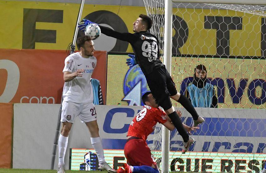Răzvan Pleșca (38 de ani), veteranul din poarta lui Gaz Metan, consideră că Andrei Vlad nu are nicio vină pentru faza golului încasat în derby-ul FCSB - CFR Cluj 1-1.