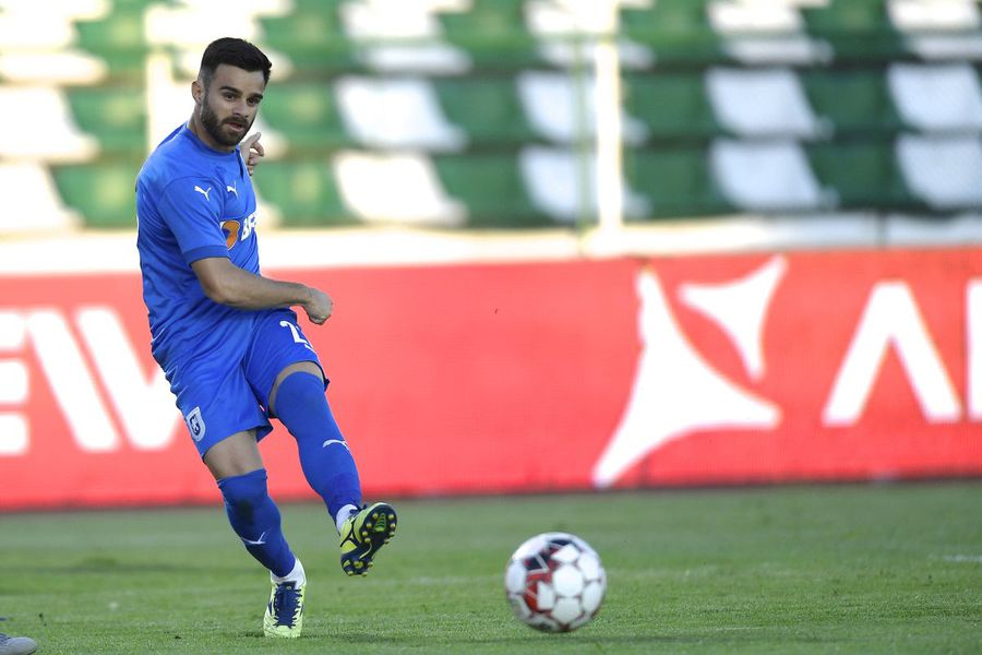 """A fugit de la Craiova la o rivală din play-off fără știrea impresarului: """"A semnat. Nu-mi vine să cred!"""""""