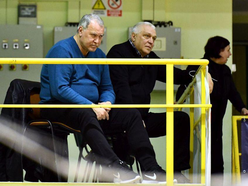 Nicolae Munteanu și Vasile Stângă, doi foști mari handbaliști, semnatari ai scrisorii trimise ministrului FOTO sportpictures.eu