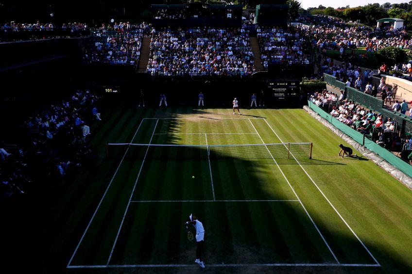 Imagine din meciul Naomi-Osaka-Monica Niculescu, disputat în primul tur la Wimbledon în 2018 FOTO Guliver/GettyImages
