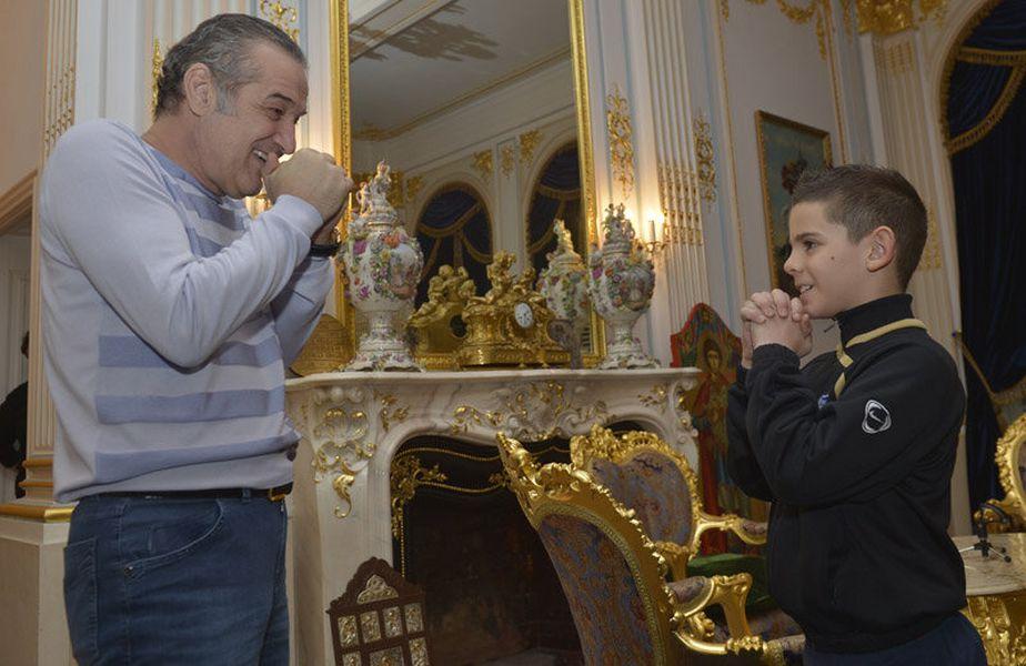 Marius Ciobanu, la palat alături de Gigi Becali