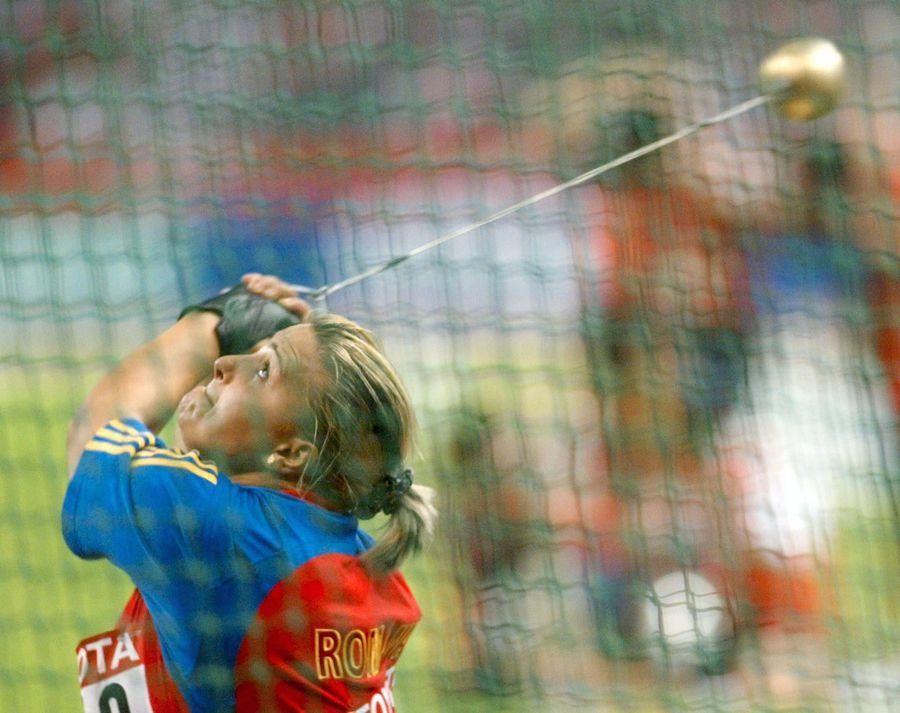 """Fostă campioană mondială suspendată pentru dopaj, în lacrimi în direct: """"Rana asta e încă deschisă"""""""