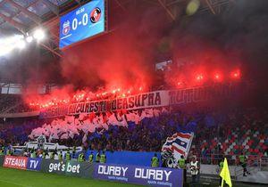 """Prima reacție oficială a CSA Steaua, după ce fanii """"militarilor"""" au afișat o cruce cu numele lui Becali pe ea: """"Nu e normal ce s-a întâmplat"""""""