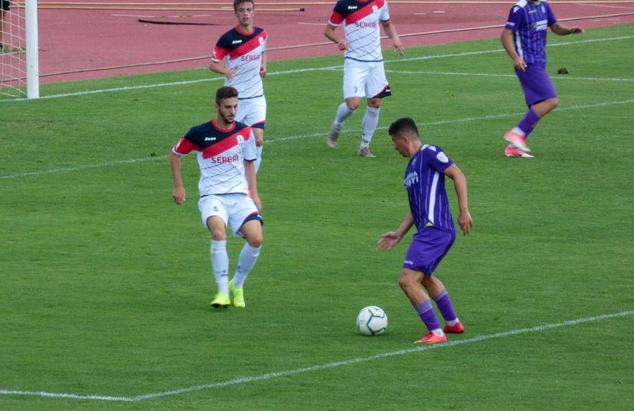 FOTO: Facebook FC Argeș Fans // Andrei Prepeliță în tricoul piteștenilor, într-un meci amical